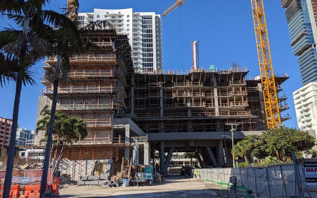 IN EDGEWATER, A 28-STORY APARTMENT TOWER CALLED MODERA BISCAYNE BAY IS NOW RISING, WILL INCLUDE NEW ROAD EXTENSION